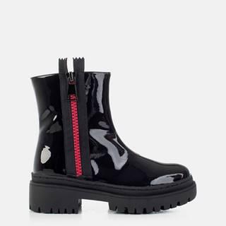 Čierne dámske lesklé členkové topánky MUSK