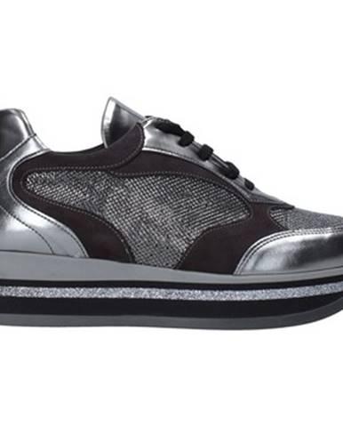 Strieborné tenisky Grace Shoes