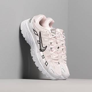 Nike W P