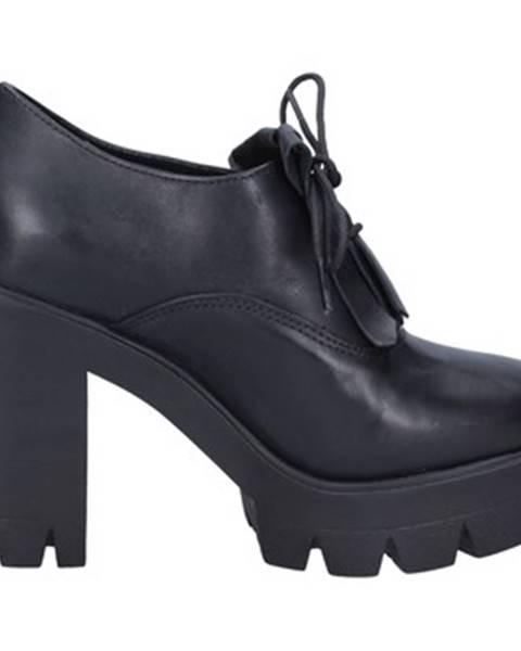 Čierne topánky J. K. Acid