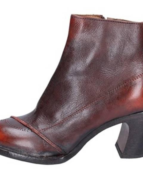 Oranžové topánky Moma