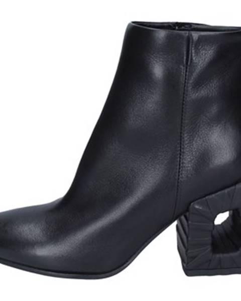 Čierne topánky Elena Iachi