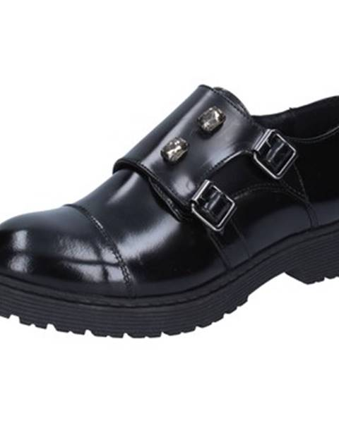 Čierne topánky Islo