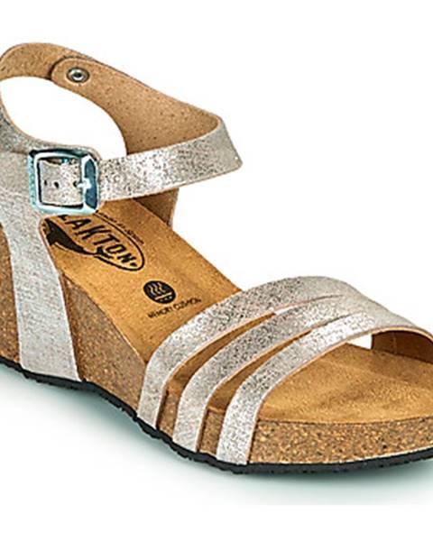 Strieborné sandále Plakton