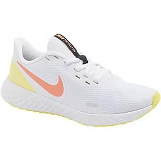 Biele tenisky Nike Revolution 5