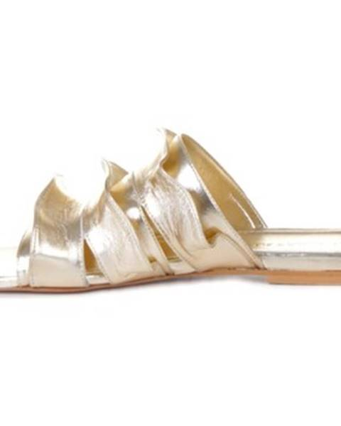 Zlaté topánky Marc Ellis