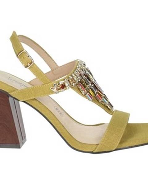 Béžové sandále Menbur