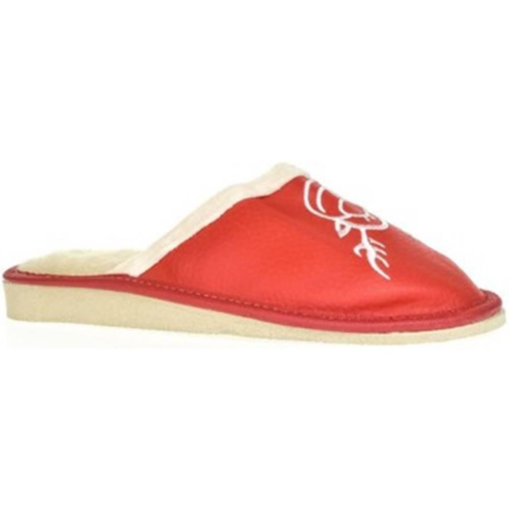 John-C Papuče John-C  Dámske červené papuče JELENÍK