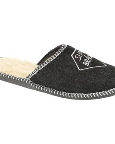 Čierne papuče Bins
