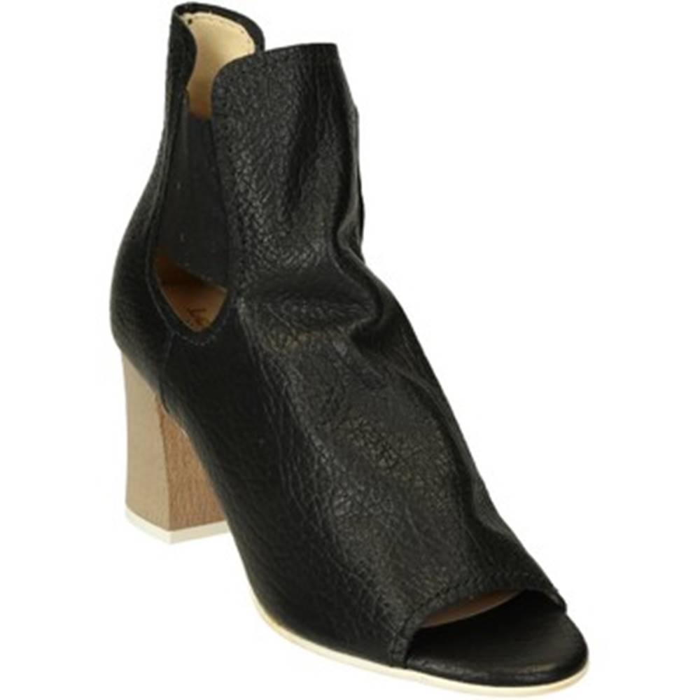 Leonardo Shoes Sandále Leonardo Shoes  606/1 ANTIGUA NERO