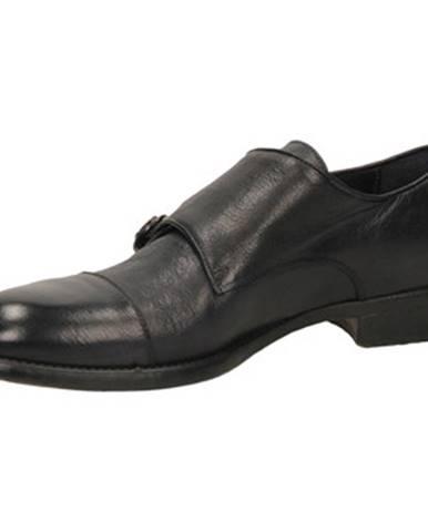Čierne topánky Brecos