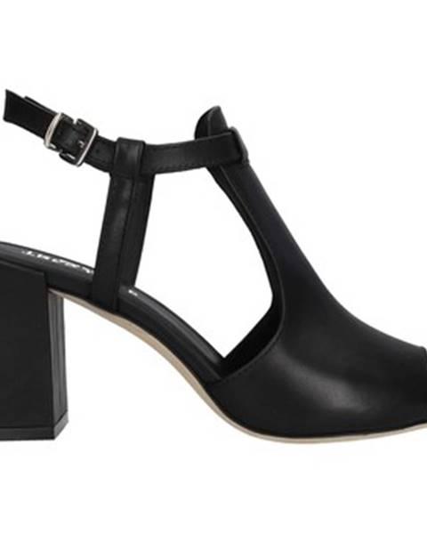 Čierne topánky Tres Jolie