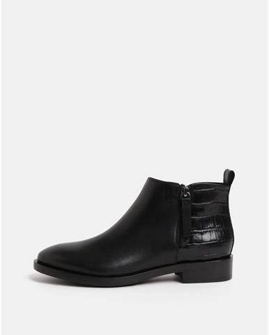 300b81a36a ZĽAVA až 50% na Čierne dámske kožené členkové topánky s remienkom ...