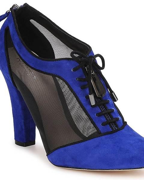 Modré čižmy Bourne