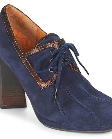 Modré čižmy Chie Mihara