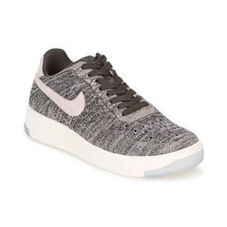Nízke tenisky Nike  AIR FORCE 1 FLYKNIT LOW