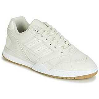 Nízke tenisky adidas  A.R. TRAINER